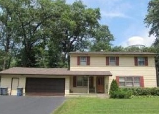 Pre Foreclosure in Lowell 46356 WOODLAND CIR - Property ID: 1191978813