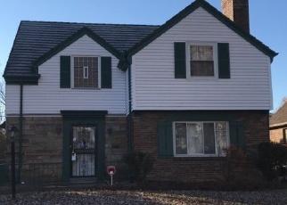 Pre Foreclosure in Cincinnati 45237 NORTHWOOD DR - Property ID: 1192053699