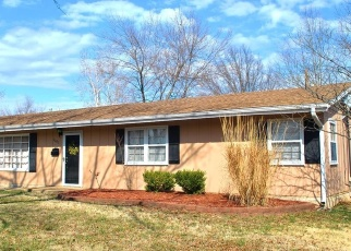 Pre Foreclosure in Chanute 66720 S TENNESSEE AVE - Property ID: 1192260869
