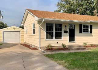 Pre Foreclosure in Davenport 52804 W LAUREL ST - Property ID: 1192586269