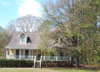 Pre Foreclosure in Douglasville 30135 SPREADING OAK DR - Property ID: 1193460920