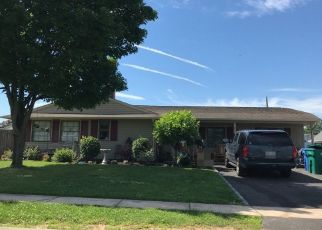 Pre Foreclosure in Levittown 19055 SWAN LN - Property ID: 1194191901