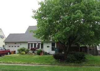 Pre Foreclosure in Levittown 19055 KINDLE LN - Property ID: 1194193645