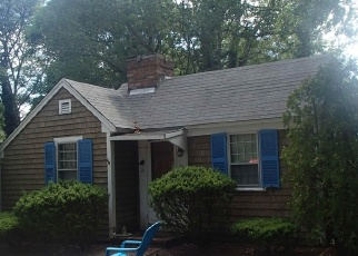 Pre Foreclosure in West Yarmouth 02673 LAKE RD E - Property ID: 1194339486