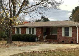 Pre Foreclosure in Anderson 29624 WOODMONT CIR - Property ID: 1194543130