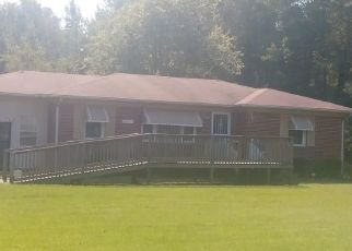 Pre Foreclosure in Windsor 23487 WALTERS HWY - Property ID: 1195164183