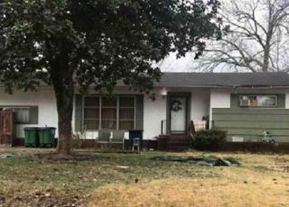 Pre Foreclosure in Chattanooga 37412 S LOVELL AVE - Property ID: 1195350771