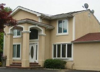 Pre Foreclosure in Huntington Station 11746 COMMACK RD - Property ID: 1197352305