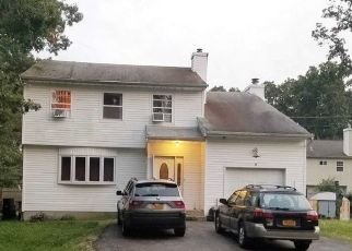Pre Foreclosure in Central Islip 11722 WINDSOR PL - Property ID: 1197417566