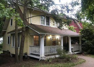 Pre Foreclosure in Suffern 10901 WAYNE AVE - Property ID: 1197492909