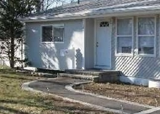Pre Foreclosure in Central Islip 11722 E WALNUT ST - Property ID: 1197510861
