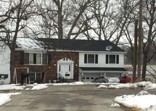 Pre Foreclosure in Newton 62448 HILLCREST DR - Property ID: 1198789746