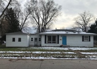 Pre Foreclosure in Muscatine 52761 ONEIDA AVE - Property ID: 1198922439
