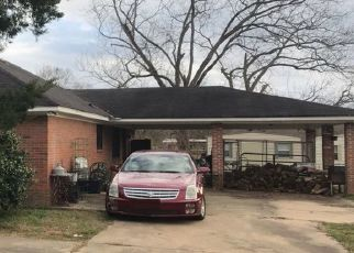 Pre Foreclosure in Hope Hull 36043 HENDERSON RD - Property ID: 1200201320