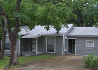 Pre Foreclosure in Palestine 75801 E HUFFSMITH ST - Property ID: 1200801797