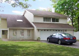 Pre Foreclosure in Farmingville 11738 NIXON ST - Property ID: 1202551494