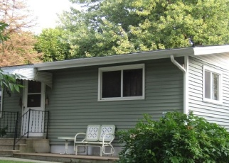 Pre Foreclosure in Winsted 55395 FAIRLAWN AVE E - Property ID: 1203021445
