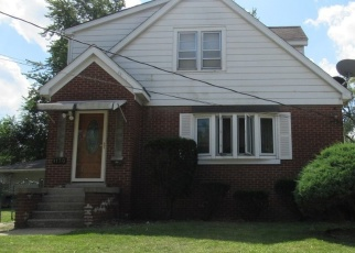 Pre Foreclosure in Hammond 46324 175TH ST - Property ID: 1203504979