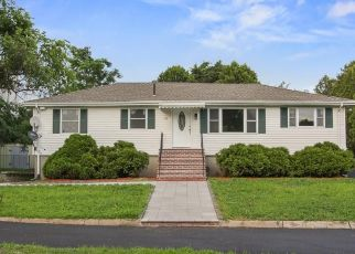 Pre Foreclosure in Salem 01970 HIGHLAND AVE - Property ID: 1205274381