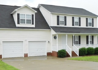 Pre Foreclosure in Spring Lake 28390 HILLANDALE RD - Property ID: 1205678186