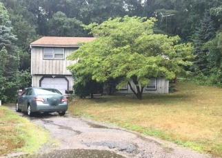 Pre Foreclosure in East Greenwich 02818 CLEMENTE DR - Property ID: 1205897174