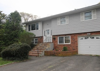 Pre Foreclosure in Center Moriches 11934 HOLIDAY BLVD - Property ID: 1206631662