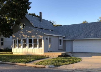 Pre Foreclosure in Petoskey 49770 CARLETON ST - Property ID: 1207172562