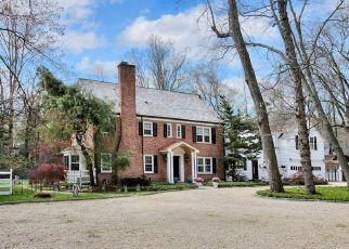 Pre Foreclosure in Darien 06820 STONY BROOK RD - Property ID: 1208647212