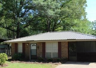 Pre Foreclosure in Millbrook 36054 MARTHA LN - Property ID: 1209567401