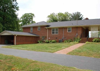 Pre Foreclosure in Walhalla 29691 E MAIN ST - Property ID: 1210164807