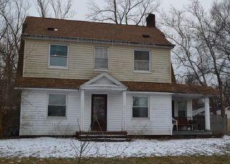 Pre Foreclosure in Berea 44017 EMERSON AVE - Property ID: 1210252389