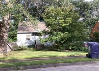 Pre Foreclosure in Wilmington 01887 CEDARCREST RD - Property ID: 1211127461