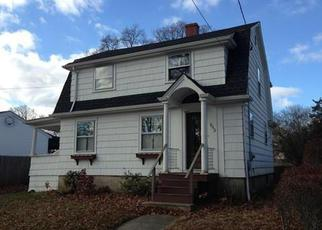 Pre Foreclosure in Fall River 02720 RAY ST - Property ID: 1211152874