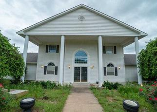 Pre Foreclosure in Derby 67037 E 71ST ST S - Property ID: 1211690709