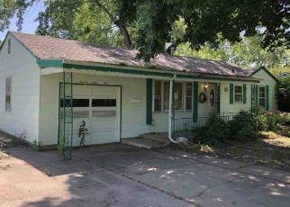 Pre Foreclosure in Shawnee 66203 GARNETT ST - Property ID: 1211699461