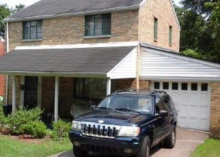 Pre Foreclosure in Pittsburgh 15221 FAIRLAWN ST - Property ID: 1211810261