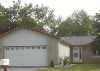 Pre Foreclosure in Steger 60475 CEDARWOOD DR - Property ID: 1212761997