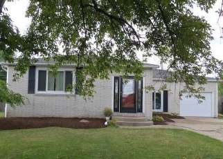 Pre Foreclosure in Buffalo 14224 CARRIAGE PARK - Property ID: 1214130209