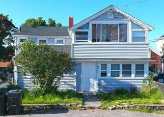 Pre Foreclosure in Swansea 02777 OCEAN GROVE AVE - Property ID: 1214487607
