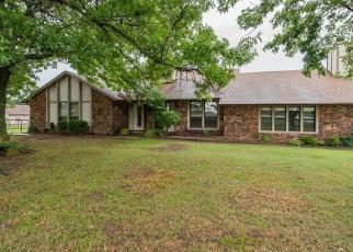 Pre Foreclosure in Broken Arrow 74011 S GARNETT RD - Property ID: 1215033760