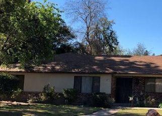 Pre Foreclosure in Fresno 93711 W ROBINWOOD LN - Property ID: 1215181350