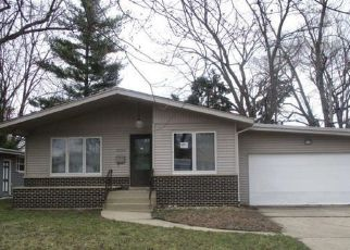 Pre Foreclosure in Lansing 60438 OAKLEY AVE - Property ID: 1216117745