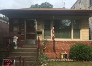 Pre Foreclosure in Chicago 60617 S AVENUE M - Property ID: 1216159795