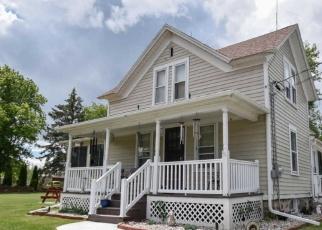 Pre Foreclosure in Menomonee Falls 53051 PILGRIM RD - Property ID: 1216222861