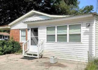 Pre Foreclosure in Dillon 29536 W HUDSON ST - Property ID: 1217358968