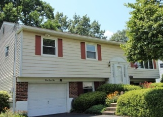Pre Foreclosure in Warminster 18974 OVERLOOK DR - Property ID: 1217383489