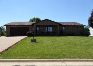 Pre Foreclosure in Peosta 52068 MAPLE RIDGE ST - Property ID: 1218585280