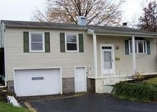 Pre Foreclosure in Youngstown 44515 BAYLOR AVE - Property ID: 1218588795