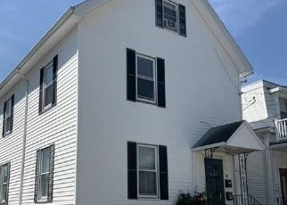 Pre Foreclosure in Malden 02148 WHITMAN ST - Property ID: 1220105496