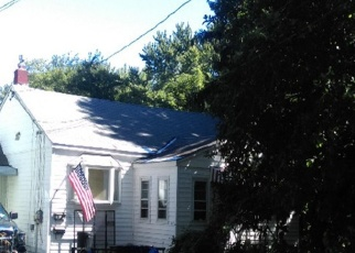 Pre Foreclosure in Liverpool 13088 NORWOOD AVE E - Property ID: 1220352964